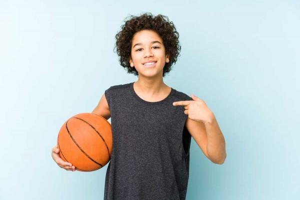 Kindersport-das-richtige-Outfit-fuer-kleine-Sportler